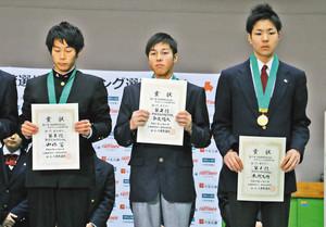 久喜工2年・本間選手が初V 加須で全国高校クライミング