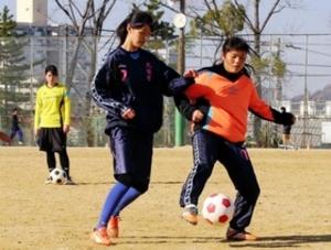 全国切符で引退の3年緊急復帰 北須磨高女子サッカー部