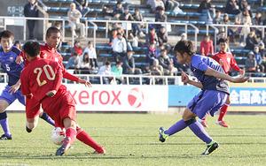 富山一が初戦快勝、4-1で16強 全国高校サッカー