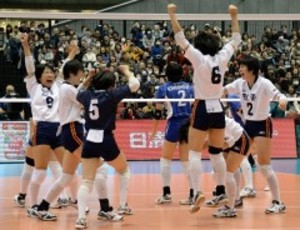 就実 全日本高校バレー女子決勝へ 8日、95年以来の制覇目指す