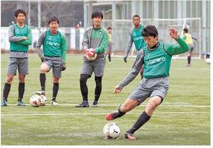 青森山田・高橋が闘志、初Vへ得点誓う 高校サッカー