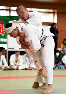 延岡学園勢、4階級頂点 宮崎県高校柔道選手権第1日