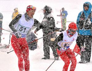 北村山、11連覇 山形県高校スキー・距離男子40キロリレー
