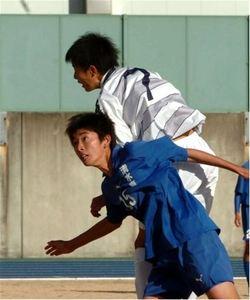 焼津中央4強、藤枝東快勝 静岡県高校新人サッカー・男子