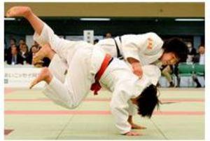 柔道 埼玉栄、女子団体は準々決勝で惜敗 男子は3回戦敗退