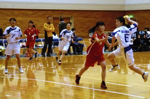 高校男女が熱戦 福島県春季ハンドボール