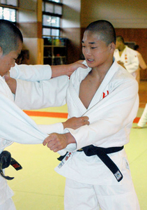 比叡山高・福田選手が準V 全国高校柔道、男子60キロ級