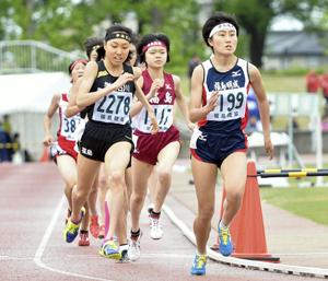 陸上・女子1500、鈴木が激戦制す 福島県高校総体