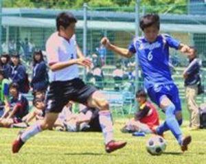 サッカー、16強決まる  徳島県高校総体