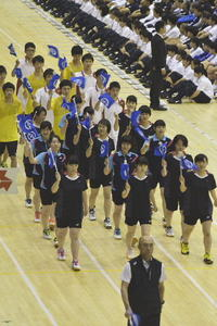 74校力強く行進 青森県高総体開幕