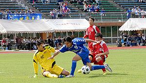 鶴工と鶴南、伝統の一戦 野球とサッカーで勝負