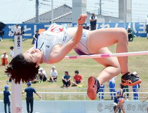 女子走り高跳び、小池自己ベストでV2 北関東高校陸上