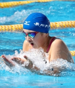 女子百平、磯部(長岡大手)が3連覇 新潟県高校総体競泳