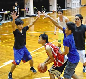 フィリピン人主体 浜名高定時制バスケ部
