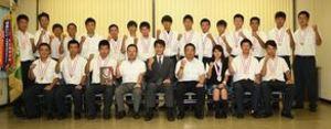 軟式野球 木更津総合、千葉日報社訪問 24日から全国大会