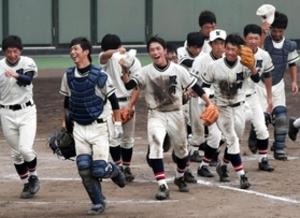 篠山鳳鳴、大会初白星 軟式野球選手権