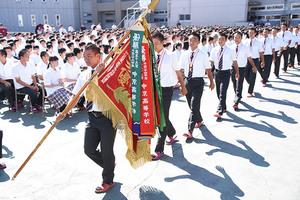 優勝旗掲げ「応援感謝」 中京院中京高軟式野球部報告会