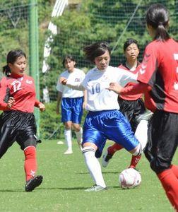 サッカー 女子高知県予選 高知商が東に5-0