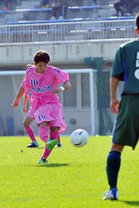 サッカー 岩手大会 盛岡中央と遠野が4強