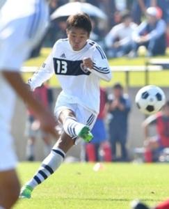 県高校サッカー 関学、攻め手多彩 主導権渡さず