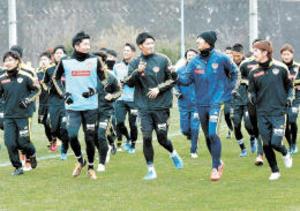 J1仙台、天皇杯へ全体練習再開