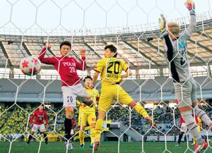 J1浦和、9大会ぶり決勝 サッカー天皇杯 準決勝