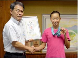 安達真美さん、亡き母にささぐ3位 全国ジュニアカップ水泳
