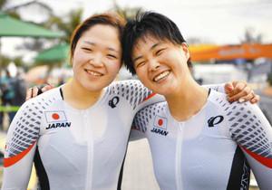 パラ 自転車の鹿沼「銀」 「田中選手と一緒、うれしい」