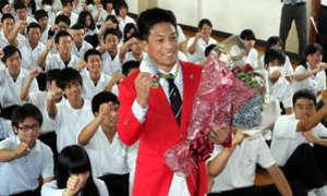 五輪レスリング太田選手が母校訪問