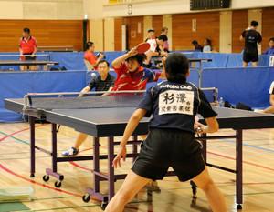 羽生オープン卓球 老若男女が腕競う 213人が参加