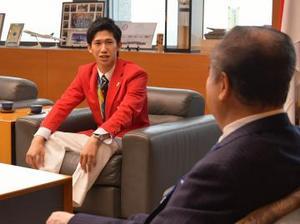 五輪卓球銀の吉村 茨城県知事に喜び報告 東京では銀の上へ
