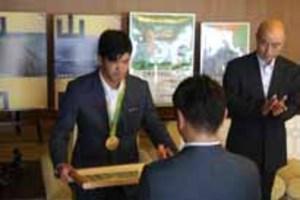 五輪柔道・大野選手に山口県民栄誉賞
