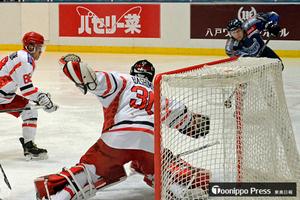 フリーブレイズ5連勝 アイスホッケー・アジアリーグ