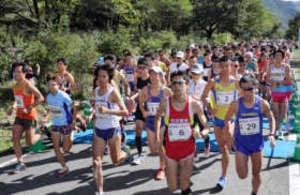 標高日本一のマラソンに1347人挑戦 高崎・榛名湖