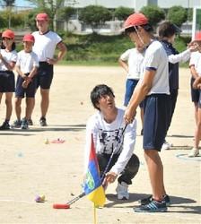 ゴルフの石川遼らが被災児童を訪問