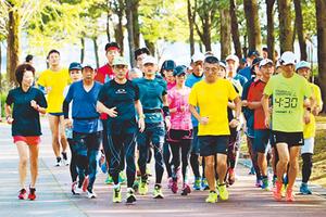 富山マラソン本番へ追い込みラン 藤原・野尻選手と練習会