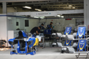 F1日本GP、7日開催 マシン組み立て本格化