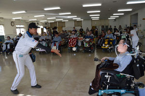 日ハム職員と筋ジス患者、キャッチボール楽しく 八雲病院