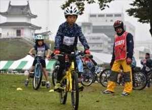 宇都宮城址公園で自転車シクロクロスの講習会
