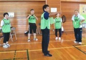 障害者のスポーツ参加支援 「指導員」養成進まず