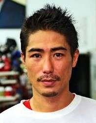 <ボクシング>36歳の翁長吾央、現役続行 「このまま終わったら悔いが残る」