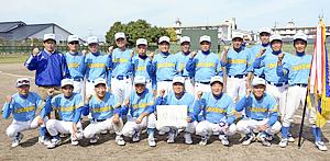 福島シルバーが7度目「民友旗」輝く 福島県還暦軟式野球