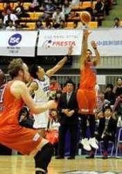 バスケBリーグの広島 大勝、首位浮上