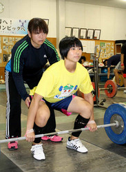 ユース重量挙げ大会 14歳中学生が世界へ