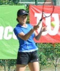 テニス 三ケ日国際女子 浜松西高の柿沢2回戦へ