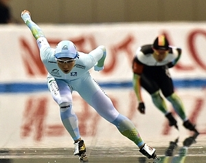 小平、1000はリンク新V 全日本距離別スピードスケート