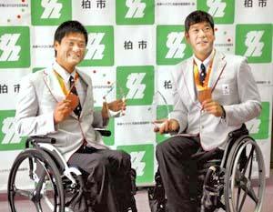 パラ車いすテニスの国枝、斎田 柏市民特別功労賞を授与