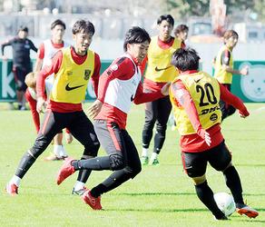 J1浦和 紅白戦で遠藤組が勝利 29日磐田戦