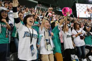 日本ハム 劇的な1勝、ファン歓喜 日本シリーズ第5戦