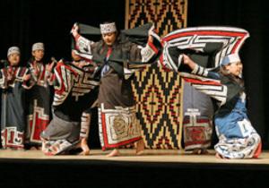 冬季アジア札幌大会でアイヌ舞踊 「東京五輪出演に弾み」